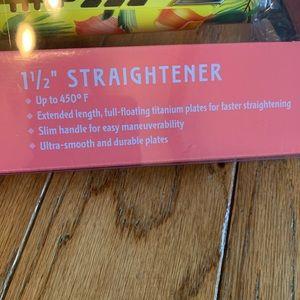 BaByliss Hair - BaByliss Pro Titanium 1 1/2 Straightener Blowdryer